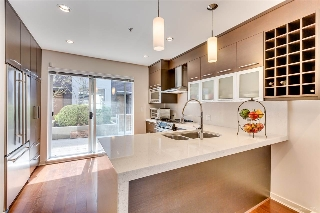 "Main Photo: 2174 W 8TH Avenue in Vancouver: Kitsilano Townhouse for sale in ""CANVAS"" (Vancouver West)  : MLS(r) # R2158288"