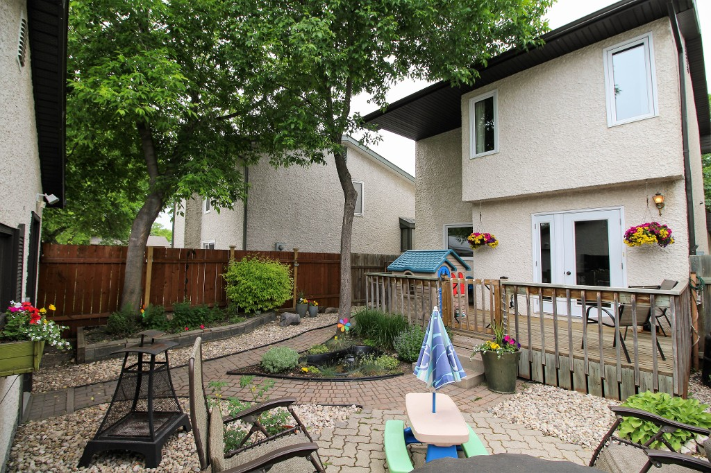 Photo 4: Home for sale in Meadowood - Winnipeg Real Estate