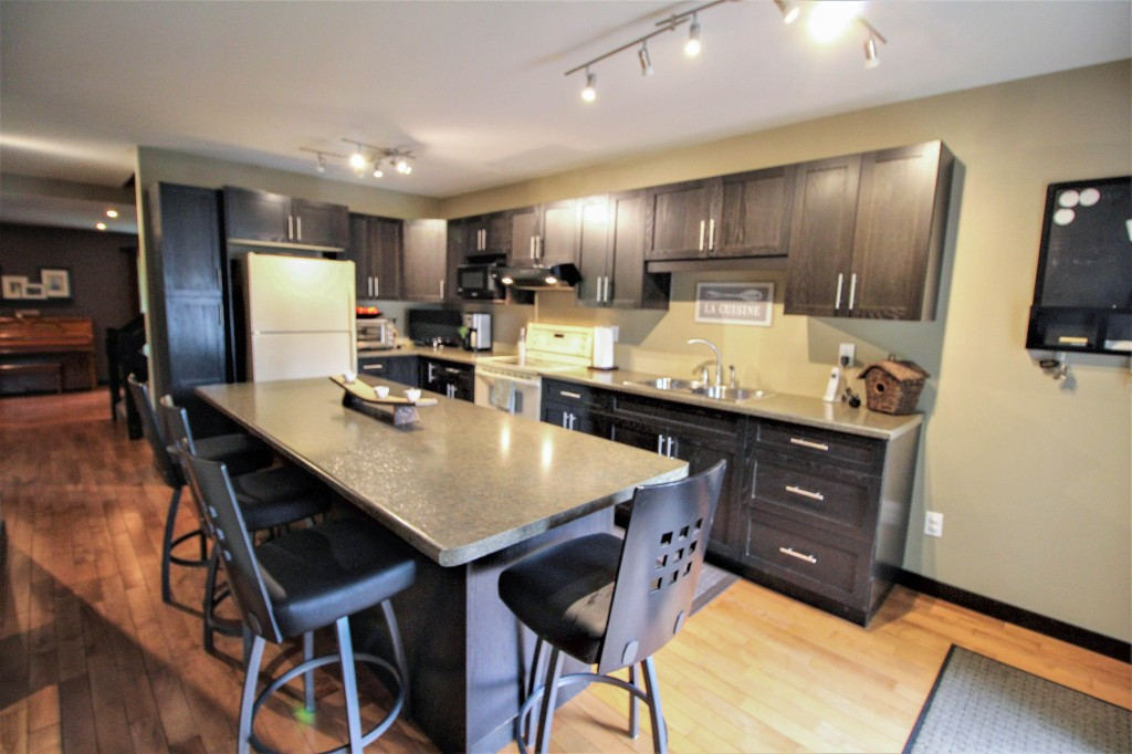 Photo 14: Home for sale in Meadowood - Winnipeg Real Estate