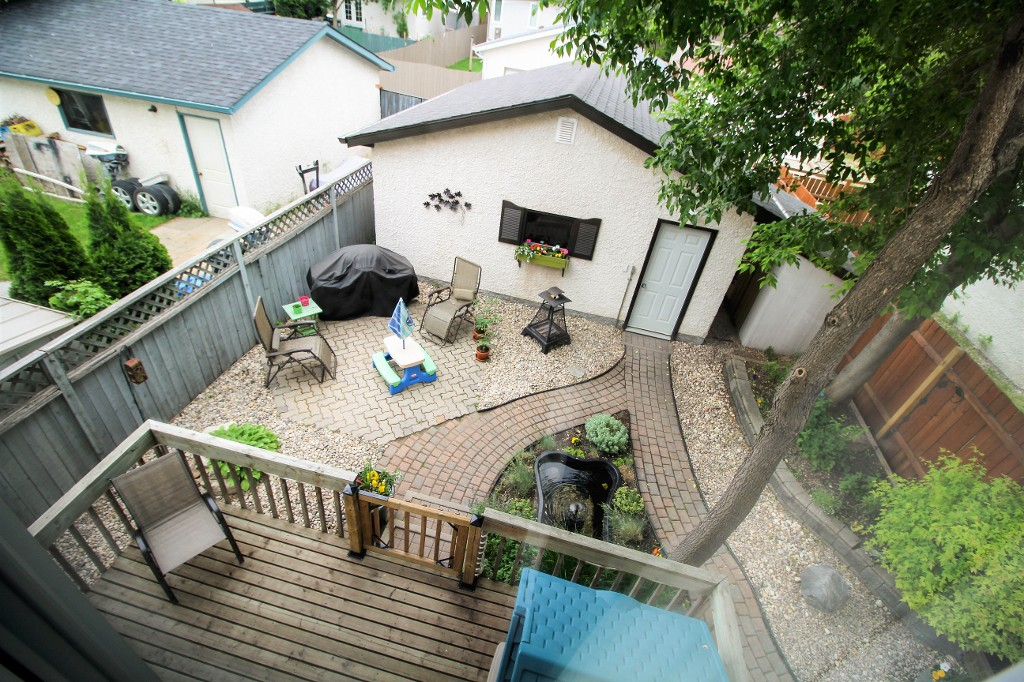 Photo 18: Home for sale in Meadowood - Winnipeg Real Estate