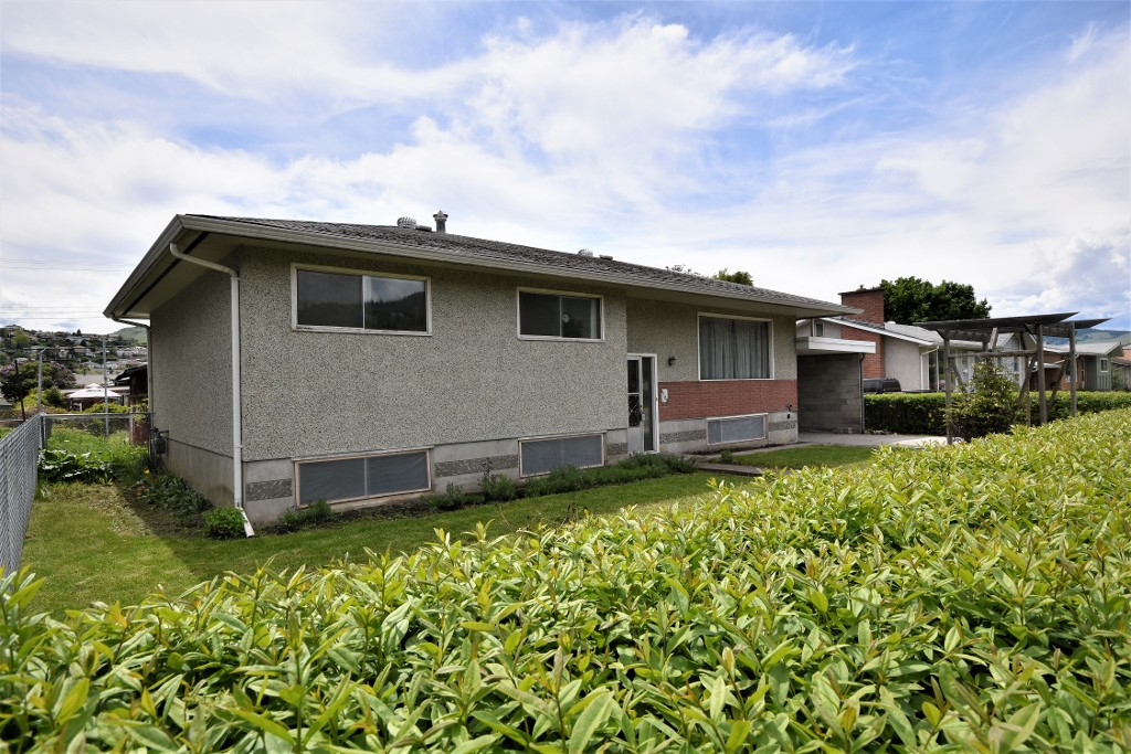 Main Photo: 4108 27th Avenue in Vernon: City of Vernon House for sale (North Okanagan)  : MLS® # 10135080