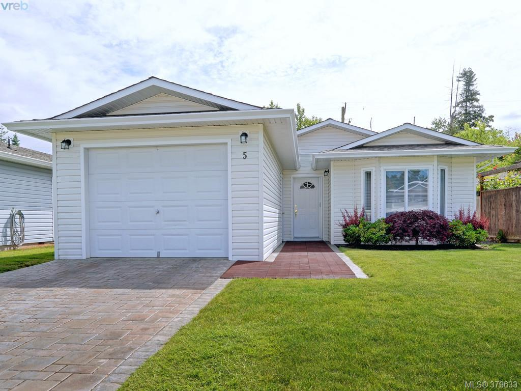 Main Photo: 5 7570 Tetayut Road in SAANICHTON: CS Hawthorne Manu Double-Wide for sale (Central Saanich)  : MLS® # 379633