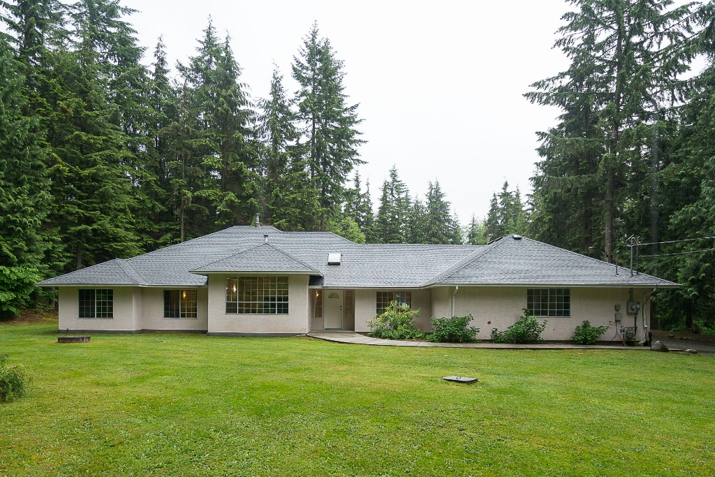 Main Photo: 29554 TAISE Place in Mission: Stave Falls House for sale : MLS® # R2178611