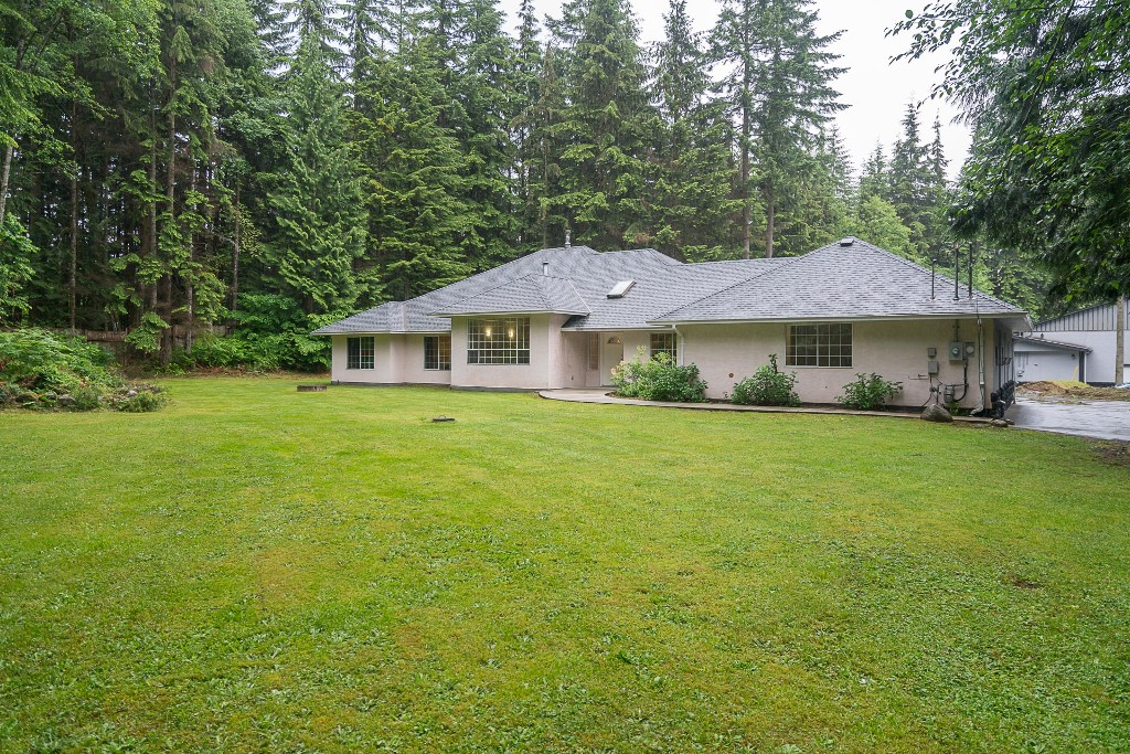 Photo 2: 29554 TAISE Place in Mission: Stave Falls House for sale : MLS® # R2178611