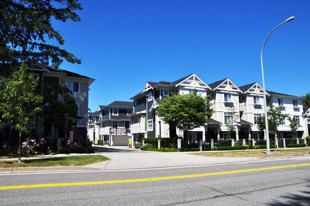 Photo 16: 24 8433 164 Street in Surrey: Fleetwood Tynehead Townhouse for sale : MLS® # R2181805