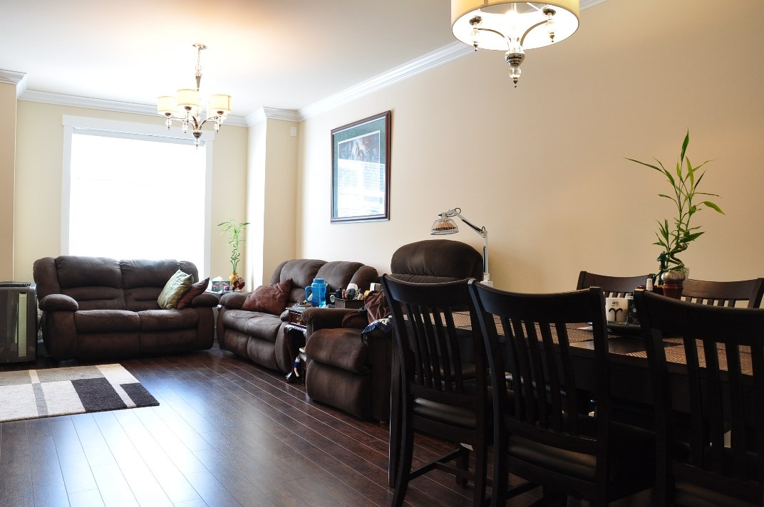 Photo 7: 24 8433 164 Street in Surrey: Fleetwood Tynehead Townhouse for sale : MLS® # R2181805