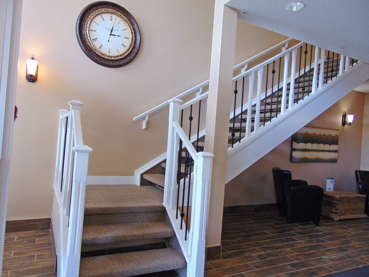 Photo 2: 203 4922 52 Street: Gibbons Condo for sale : MLS® # E4071334