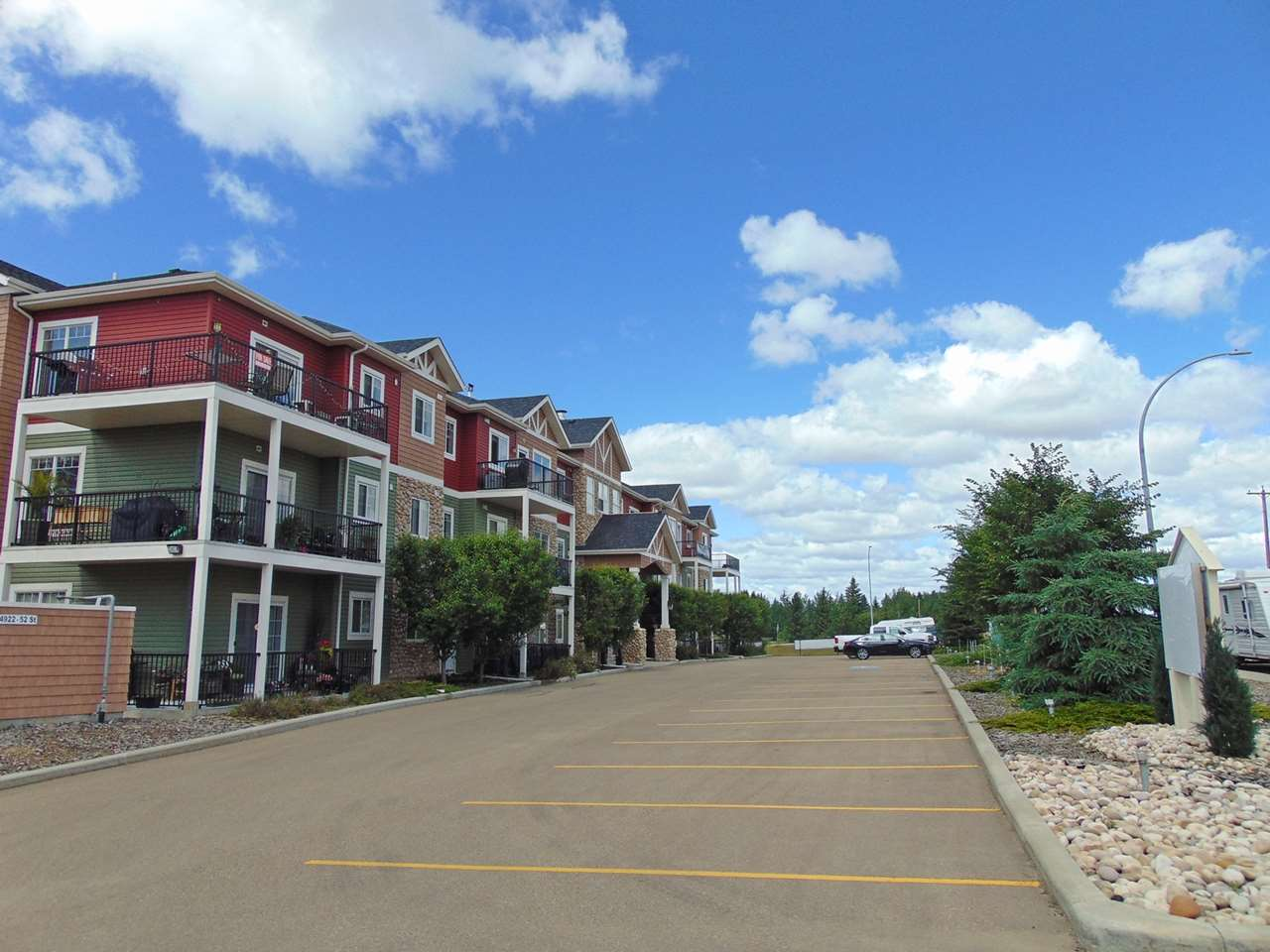 Photo 27: 203 4922 52 Street: Gibbons Condo for sale : MLS® # E4071334