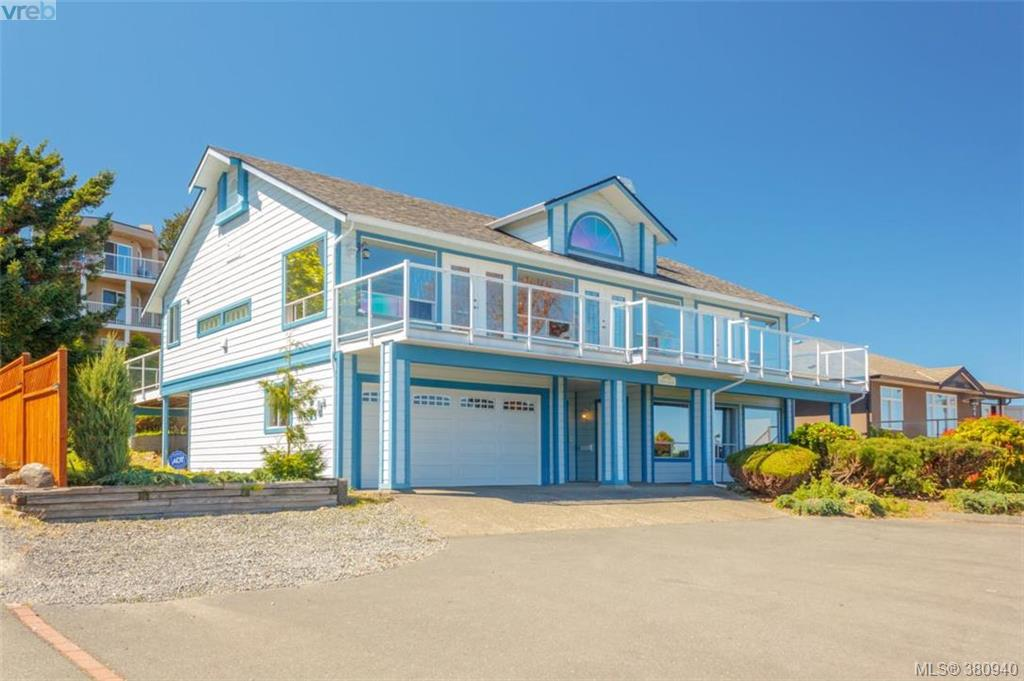 Main Photo: 3370 Haida Drive in VICTORIA: Co Triangle Single Family Detached for sale (Colwood)  : MLS®# 380940