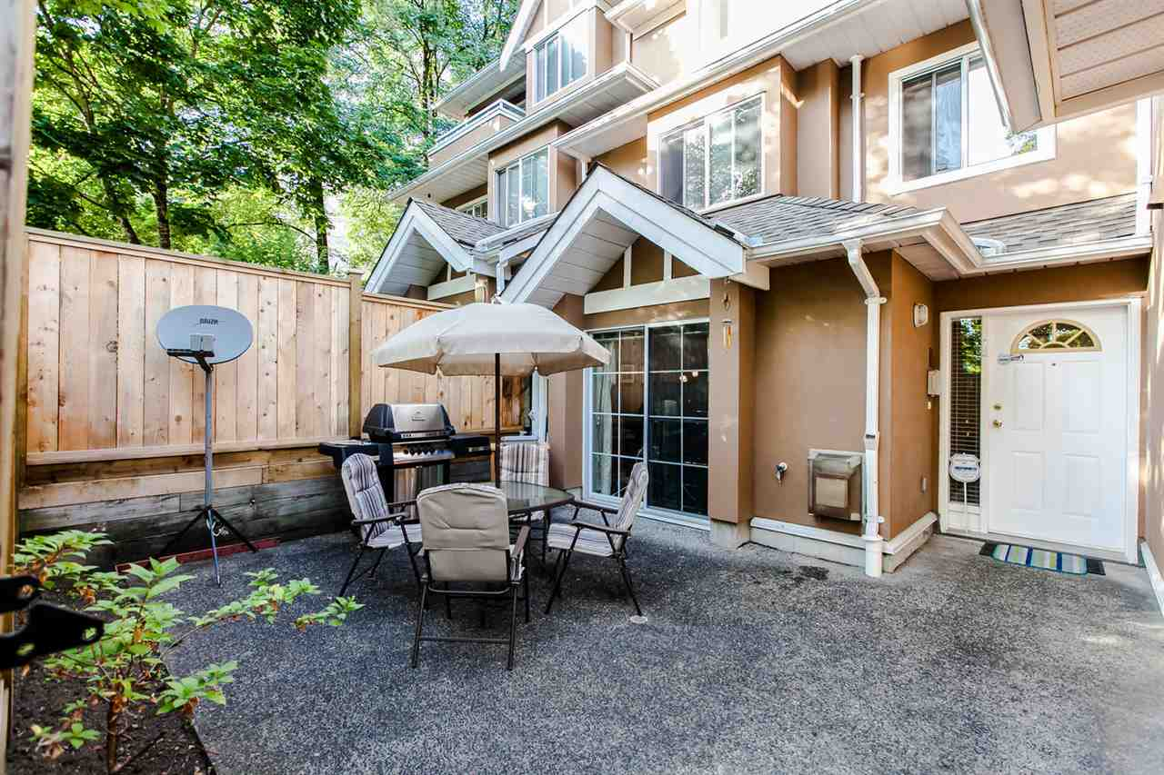 "Main Photo: 18 7488 SALISBURY Avenue in Burnaby: Highgate Townhouse for sale in ""WINSTON GARDENS"" (Burnaby South)  : MLS® # R2197419"