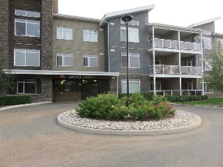 Main Photo: 212 279 WYE Road: Sherwood Park Condo for sale : MLS® # E4078780