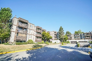 "Main Photo: 115 13501 96 Avenue in Surrey: Whalley Condo for sale in ""PARKWOODS"" (North Surrey)  : MLS® # R2201962"