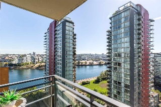 "Main Photo: 1805 33 SMITHE Street in Vancouver: Yaletown Condo for sale in ""COOPERS LOOKOUT"" (Vancouver West)  : MLS® # R2205849"
