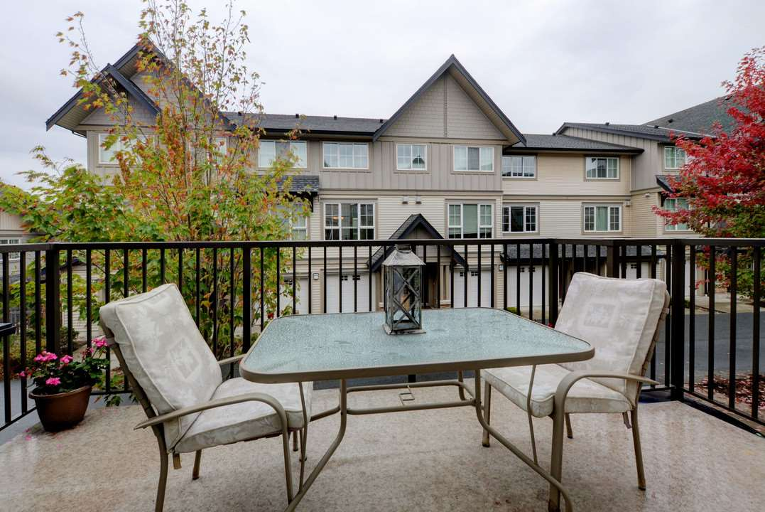 "Photo 14: Photos: 156 2501 161A Street in Surrey: Grandview Surrey Townhouse for sale in ""Highland Park"" (South Surrey White Rock)  : MLS® # R2212528"