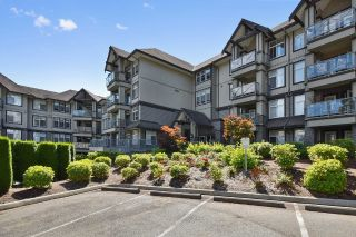 "Main Photo: 305 33318 E BOURQUIN Crescent in Abbotsford: Central Abbotsford Condo for sale in ""Nature's Gate"" : MLS® # R2217570"