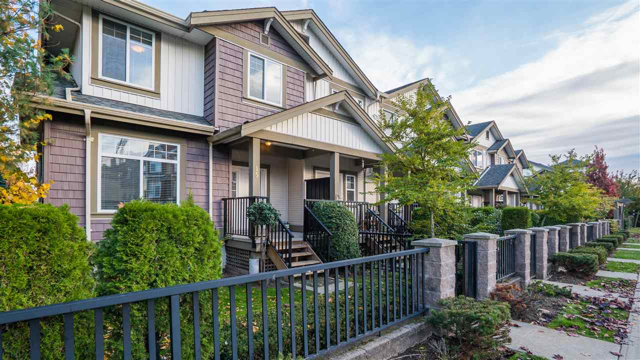 "Main Photo: 15 15933 86A Avenue in Surrey: Fleetwood Tynehead Townhouse for sale in ""Serenity Gardens"" : MLS® # R2219027"