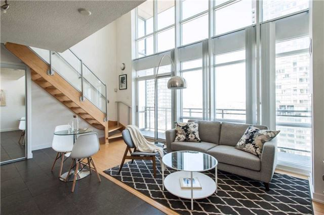Main Photo: 15 Fort York Blvd Unit #3505 in Toronto: Waterfront Communities C1 Condo for lease (Toronto C01)  : MLS® # C3963972