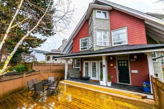 Main Photo: 225 E 17TH STREET in North Vancouver: Central Lonsdale Townhouse for sale : MLS® # R2156130