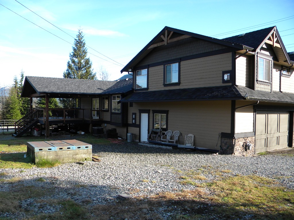 Photo 15: Photos: 30919 DEWDNEY TRUNK RD in Mission: Stave Falls House for sale : MLS®# F1303274