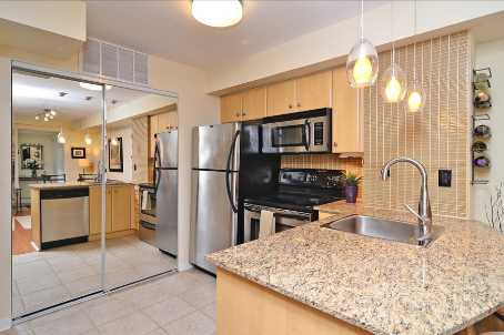 Photo 3: 10 10 Laidlaw Street in Toronto: South Parkdale Condo for sale (Toronto W01)  : MLS(r) # W2571062