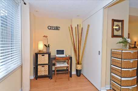 Photo 8: 10 10 Laidlaw Street in Toronto: South Parkdale Condo for sale (Toronto W01)  : MLS(r) # W2571062