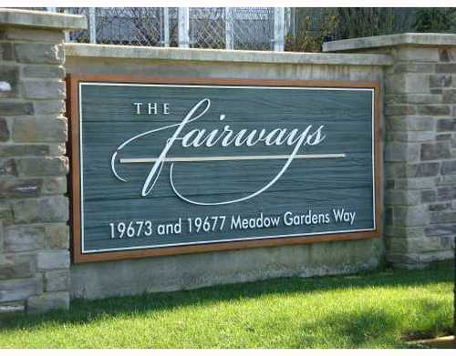 Photo 1: 104 19673 MEADOW GARDENS Way in The Fairways: North Meadows Home for sale ()  : MLS(r) # V811404