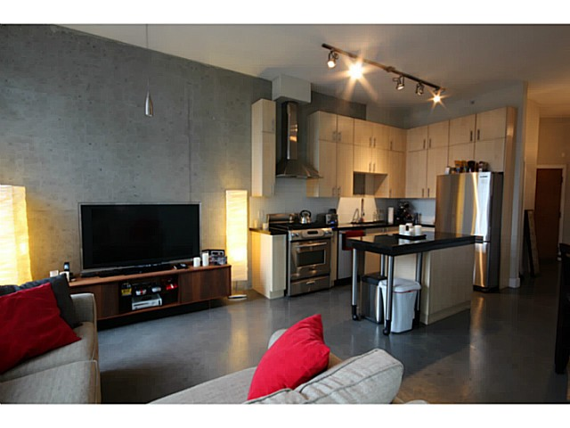 Photo 4: # 309 2635 PRINCE EDWARD ST in Vancouver: Mount Pleasant VE Condo for sale (Vancouver East)  : MLS(r) # V1044416