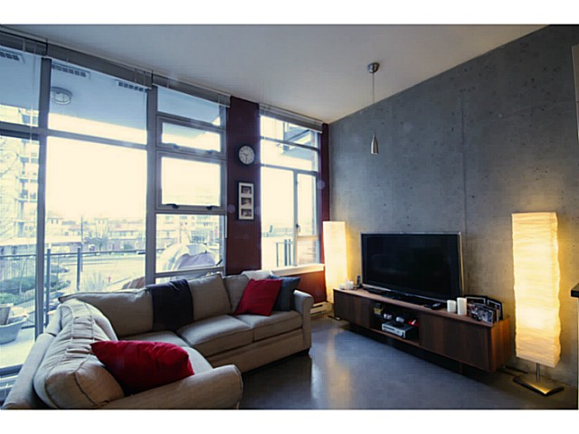 Photo 3: # 309 2635 PRINCE EDWARD ST in Vancouver: Mount Pleasant VE Condo for sale (Vancouver East)  : MLS(r) # V1044416