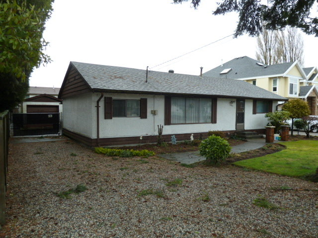 Main Photo:  in Surrey: Home for sale : MLS(r) # F1403965