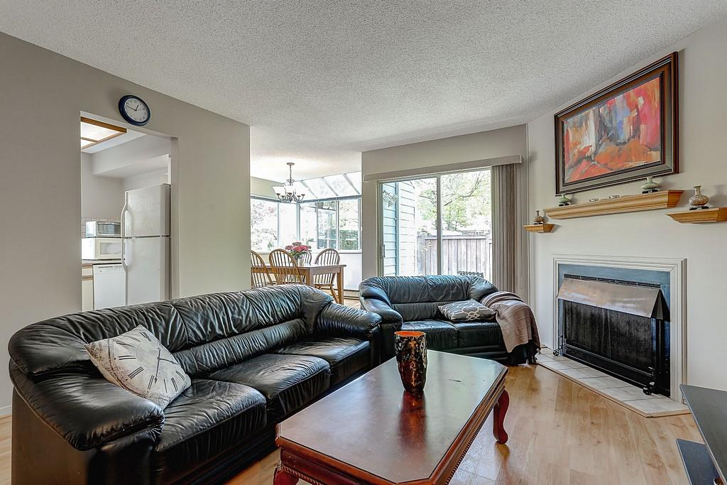 Photo 3: 47 1235 JOHNSON STREET in Coquitlam: Canyon Springs Townhouse for sale : MLS(r) # R2061436