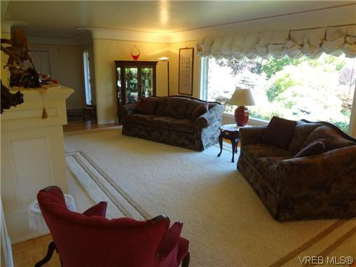 Photo 7: 3220 BEACH Drive in VICTORIA: OB Uplands Residential for sale (Oak Bay)  : MLS(r) # 313381