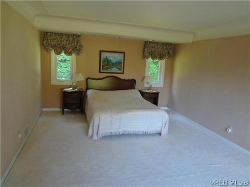 Photo 15: 3220 BEACH Drive in VICTORIA: OB Uplands Residential for sale (Oak Bay)  : MLS(r) # 313381