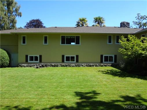 Photo 18: 3220 BEACH Drive in VICTORIA: OB Uplands Residential for sale (Oak Bay)  : MLS(r) # 313381