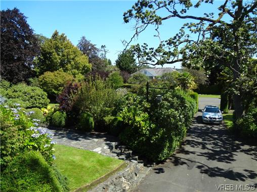 Photo 20: 3220 BEACH Drive in VICTORIA: OB Uplands Residential for sale (Oak Bay)  : MLS(r) # 313381