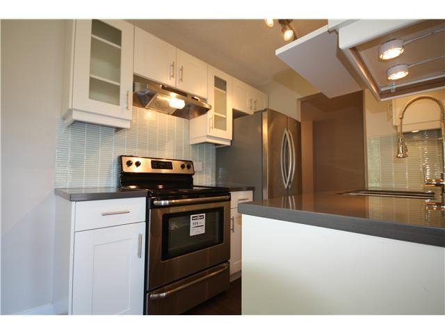 Photo 3: 305 750 E 7TH Avenue in Vancouver: Mount Pleasant VE Condo for sale (Vancouver East)  : MLS® # V986205