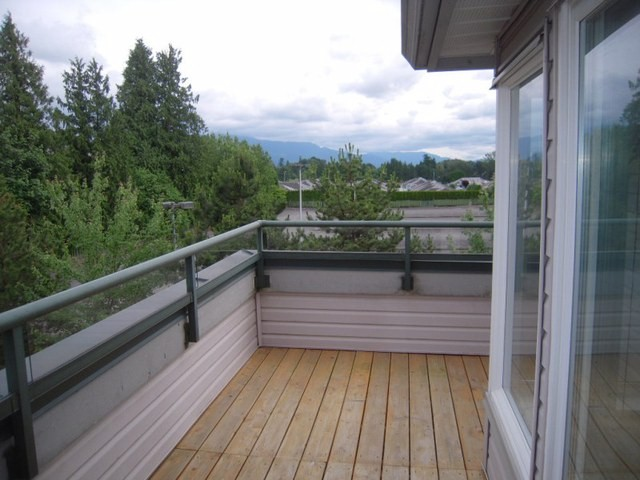 "Photo 11: 304 33668 KING Road in Abbotsford: Poplar Condo for sale in ""College Park Place"" : MLS(r) # F1314796"