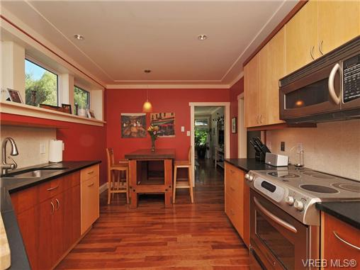 Photo 7: 1156 Chapman Street in VICTORIA: Vi Fairfield West Residential for sale (Victoria)  : MLS(r) # 340191