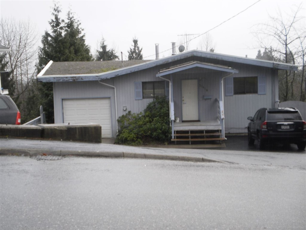Main Photo: 33428 13th Avenue in Mission: House for sale : MLS® # R2027287