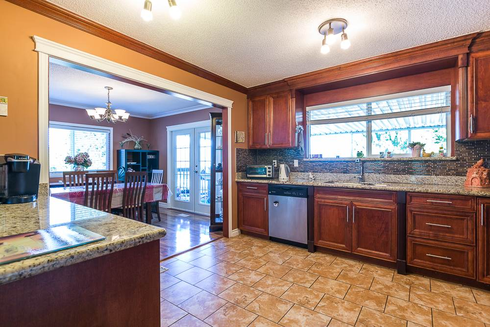 Photo 6: 3001 SURF CRESCENT in Coquitlam: Ranch Park House for sale : MLS® # R2110585