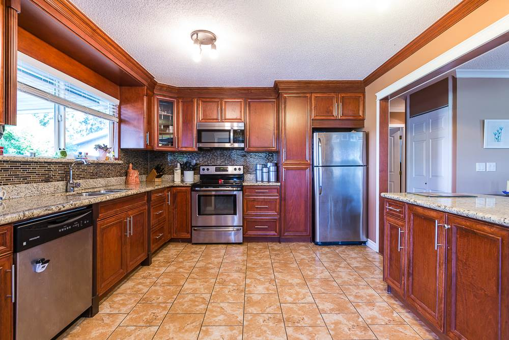Photo 7: 3001 SURF CRESCENT in Coquitlam: Ranch Park House for sale : MLS® # R2110585