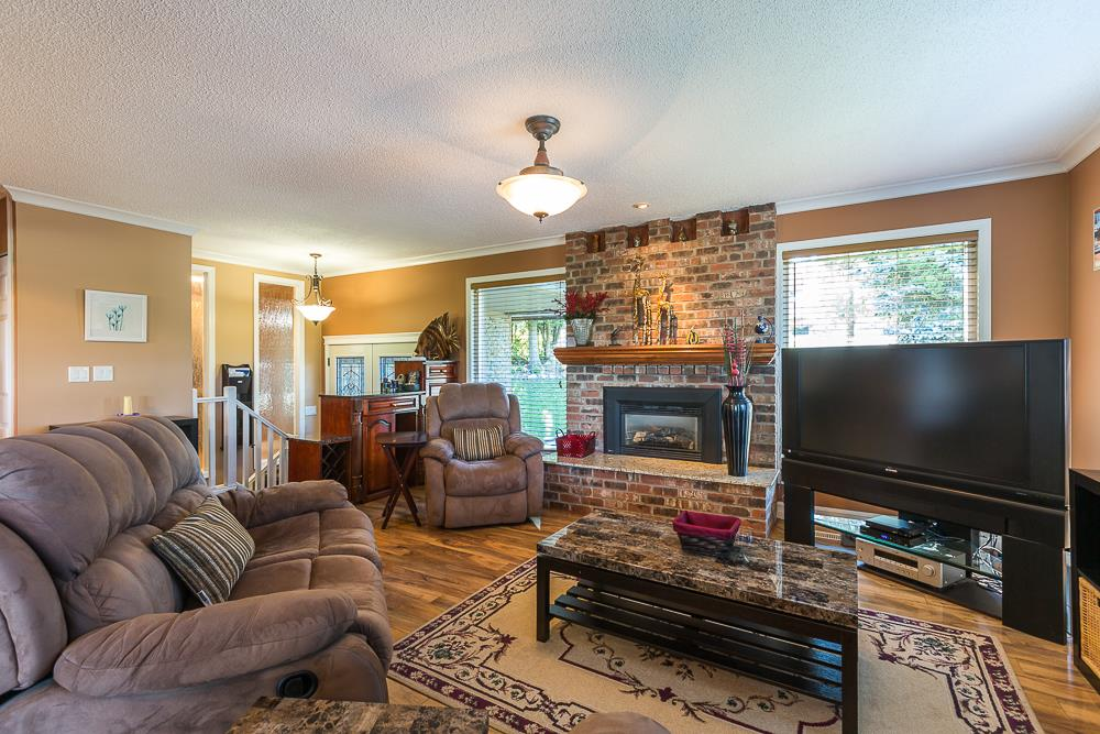 Photo 8: 3001 SURF CRESCENT in Coquitlam: Ranch Park House for sale : MLS® # R2110585