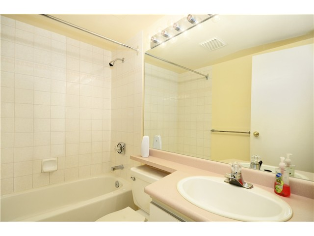 Photo 9: # 1B 2433 E 10TH AV in Vancouver: Renfrew VE Townhouse for sale (Vancouver East)  : MLS(r) # V1026968