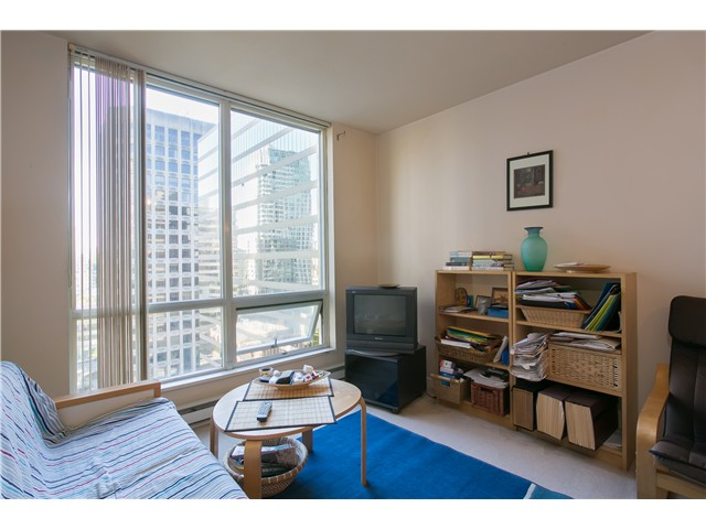 Photo 4: # 1907 1166 MELVILLE ST in Vancouver: Coal Harbour Condo for sale (Vancouver West)  : MLS® # V1061575