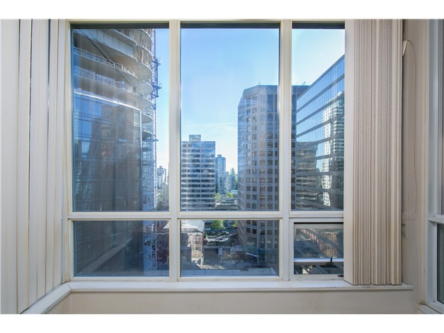 Photo 2: # 1907 1166 MELVILLE ST in Vancouver: Coal Harbour Condo for sale (Vancouver West)  : MLS® # V1061575