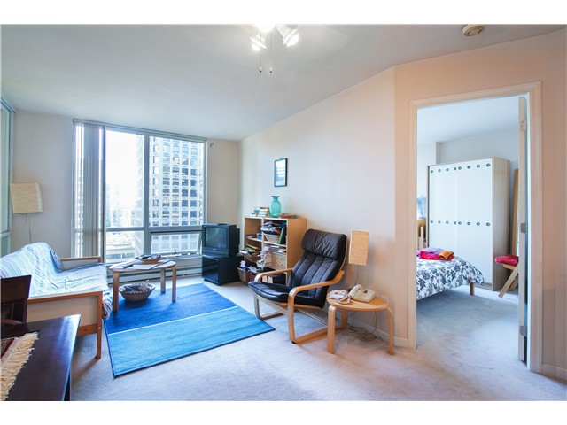 Photo 3: # 1907 1166 MELVILLE ST in Vancouver: Coal Harbour Condo for sale (Vancouver West)  : MLS® # V1061575