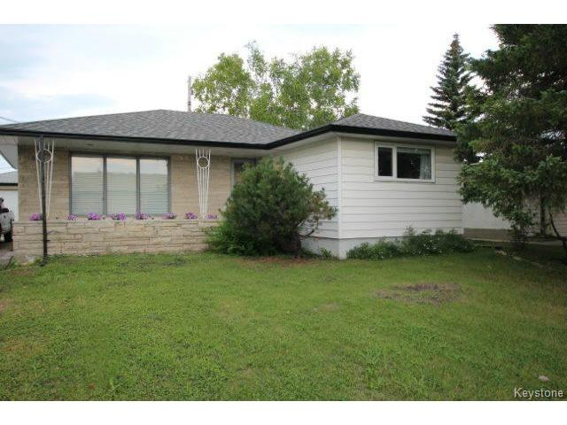Main Photo: 860 Airlies Street in WINNIPEG: West Kildonan / Garden City Residential for sale (North West Winnipeg)  : MLS® # 1418008