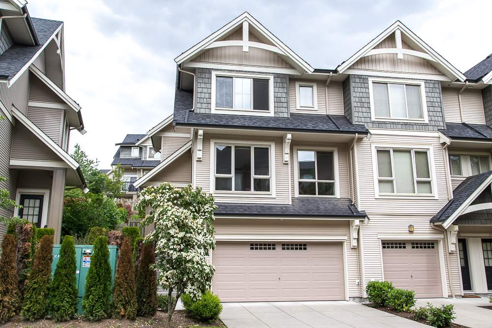 Main Photo: 174 3105 DAYANEE SPRINGS BOULEVARD in Coquitlam: Westwood Plateau Townhouse for sale : MLS® # R2079233