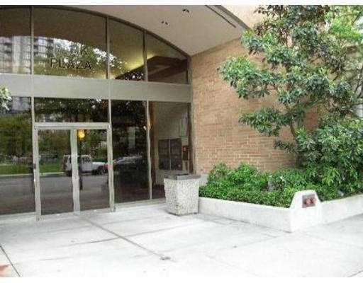 "Main Photo: 1188 RICHARDS Street in Vancouver: Downtown VW Condo for sale in ""PARK PLAZA"" (Vancouver West)  : MLS(r) # V625666"