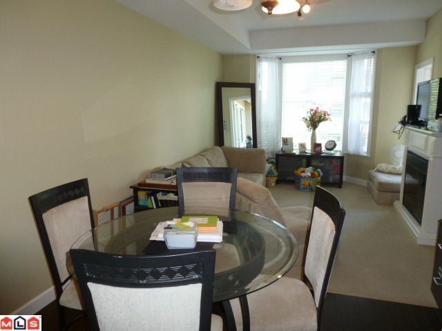 "Photo 8: 207 20281 53A Avenue in Langley: Langley City Condo for sale in ""CHILTON"" : MLS® # F1228557"
