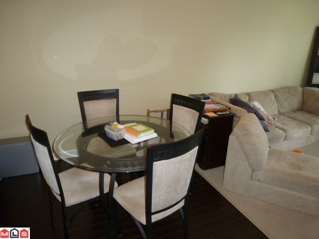 "Photo 3: 207 20281 53A Avenue in Langley: Langley City Condo for sale in ""CHILTON"" : MLS® # F1228557"